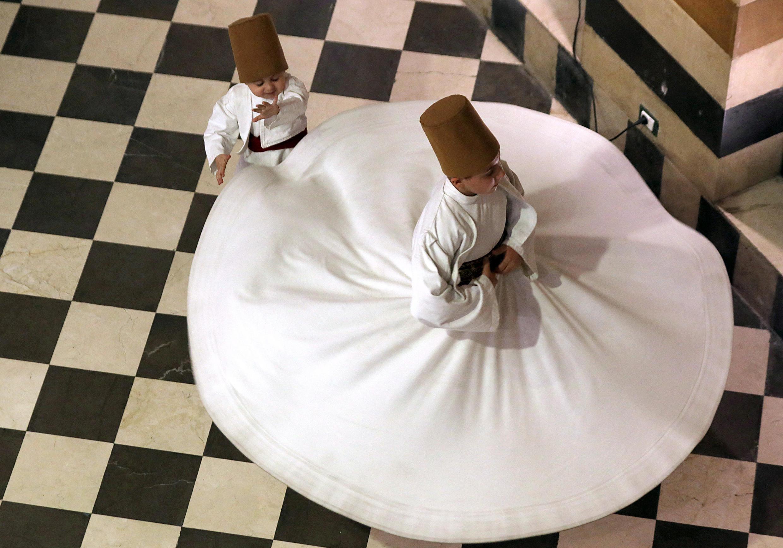 رقص المولوية الصوفية في دمشق