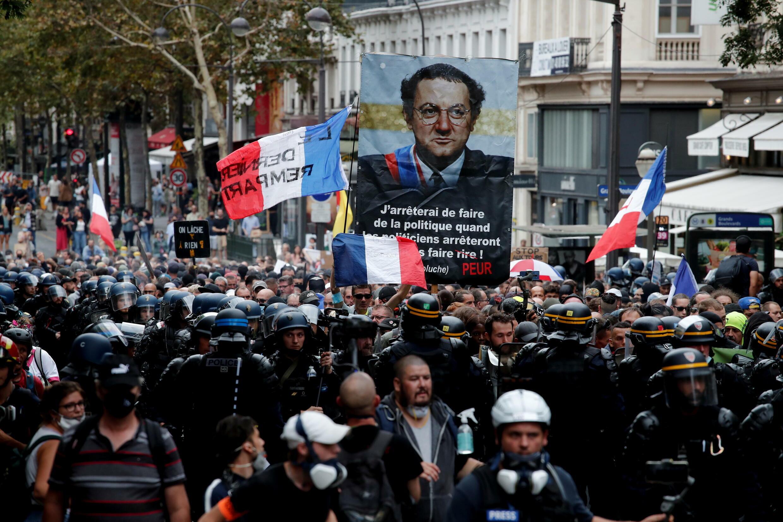مظاهرات في العاصمة الفرنسية باريس ضد التصريح الصحي