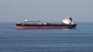 سفن نفطية تعبر عبر مضيق هرمز (صورة توضيحية)
