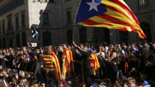 متظاهرون في برشلونة يوم 17 أكتوبر 2019