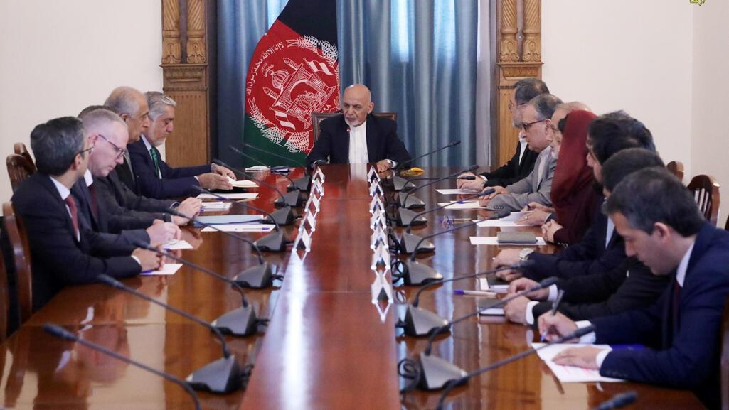 الرئيس الأفغاني أشرف غني يلتقي الممثل الخاص للولايات المتحدة في أفغانستان زلماي خليل زاد في كابول