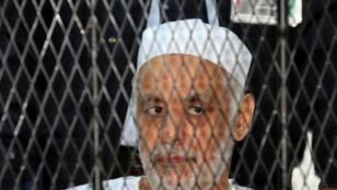 رئيس الوزراء الاسبق في عهد معمر القذافي، البغدادي المحمودي خلال احدى جلسات محاكمته في 14 كانون الثاني/يناير.
