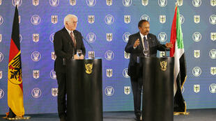 رئيس الوزراء السوداني عبد الله حمدوك والرئيس الألماني فرانك فالتر شتاينماير خلال مؤتمر صحفي مشترك في الخرطوم يوم 27 فبراير/ شباط 2020