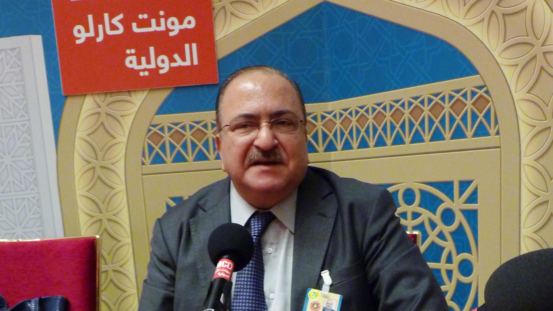 المحلل السياسي عبد الوهاب بدرخان في استديوهات مونت كارلو الدولية في الدوحة ( سلمى الزراع)