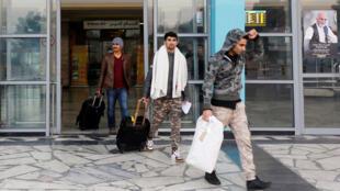 وصول مهاجرين أفغان الى مطار كابول بعد ترحيلهم من ألمانيايوم 15 ديسمبر 2016