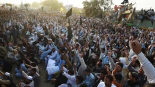 متظاهرون باكستانيون ضد العنف