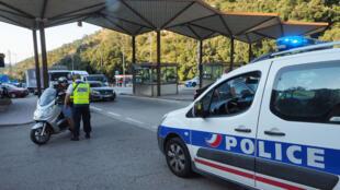 الشرطة الفرنسية على الحدود مع إسبانيا