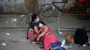 الحالة الوبائية في الهند تتفاقم والولايات المتحدة ترسل المساعدات بشكل عاجل