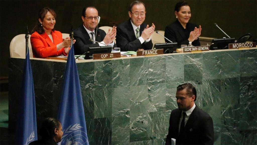 التوقيع على اتفاق باريس حول المناخ في الأمم المتحدة بحضور 170 زعيما في 22 أبريل 2016