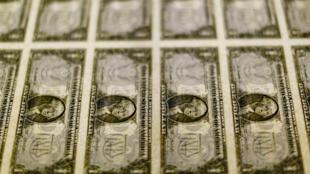 الدولار الامريكي-رويترز