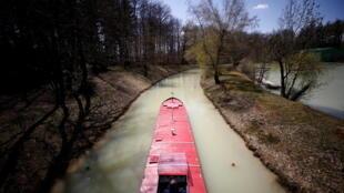 lac france canal suez