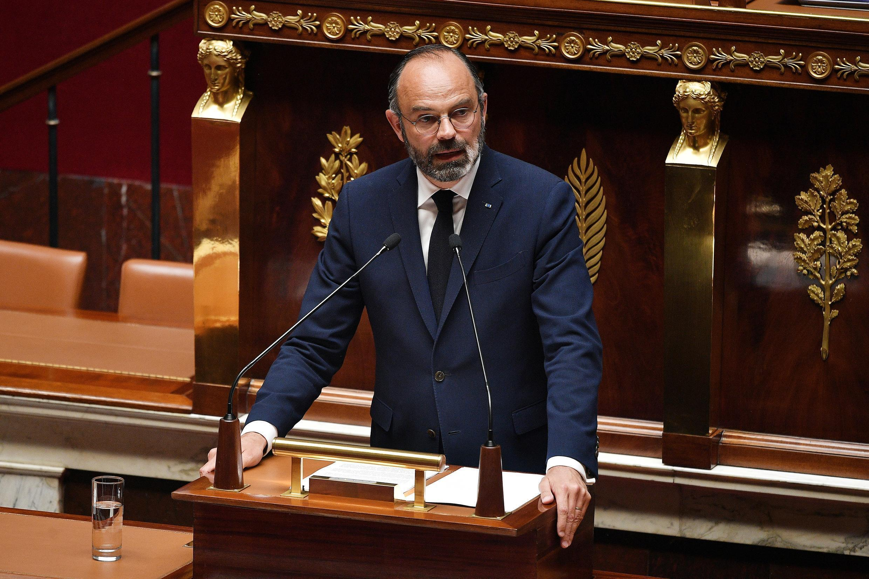 إدوار فيليب رئيس وزراء فرنسا أمام البرلمان يوم 28 أبريل نيسان 2020
