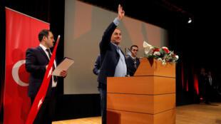 وزير الخارجية التركي مولود تشاوش أوغلو في تجمع لأنصار أردوغان في مدينة ميتز الفرنسية