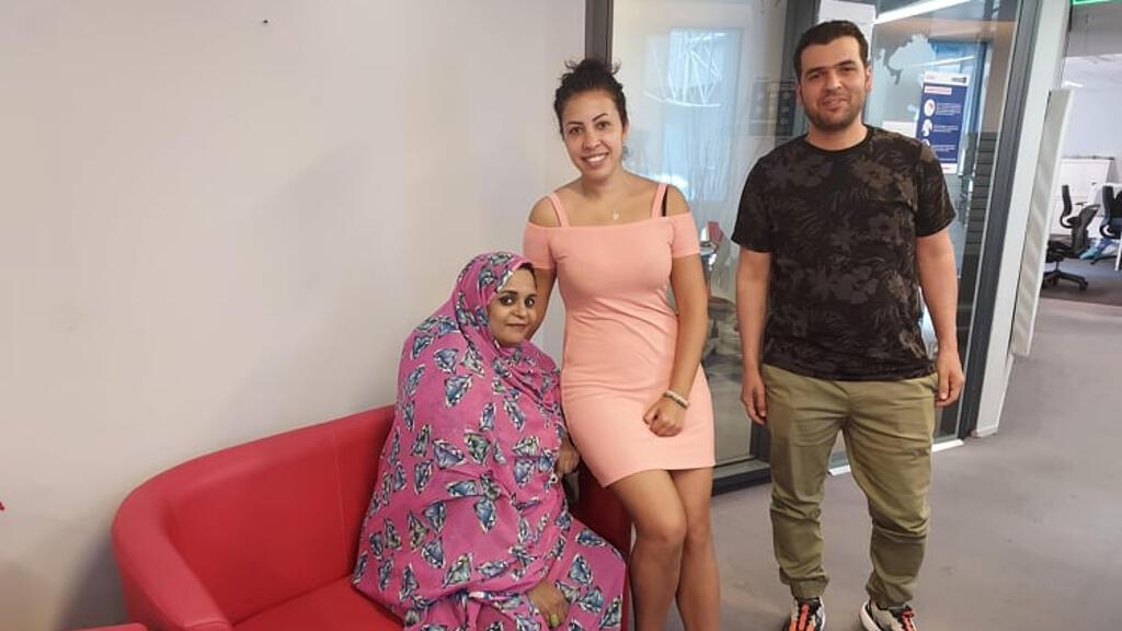الفنانة الموريتانية نورا منت سيمالي