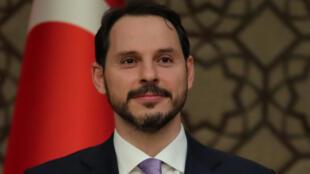 براءة البيرق وزير الخزانة والمالية في الحكومة التركية الجديدة