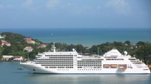 سفينة سيلفر سبيريت قرب جزر المارتينيك