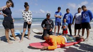 حمامة جربان: عربية إسرائيلية صيادة ومنقذة سباحة ومدربة ركوب الأمواج ولاعبة كرة قدم