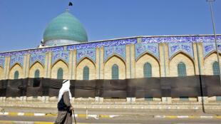 أمام جامع الخلاني في العاصمة العراقية بغداد