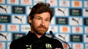 البرتغالي أندريه فياش - بواش مدرب نادي أولمبيك مرسيليا الفرنسي لكرة القدم