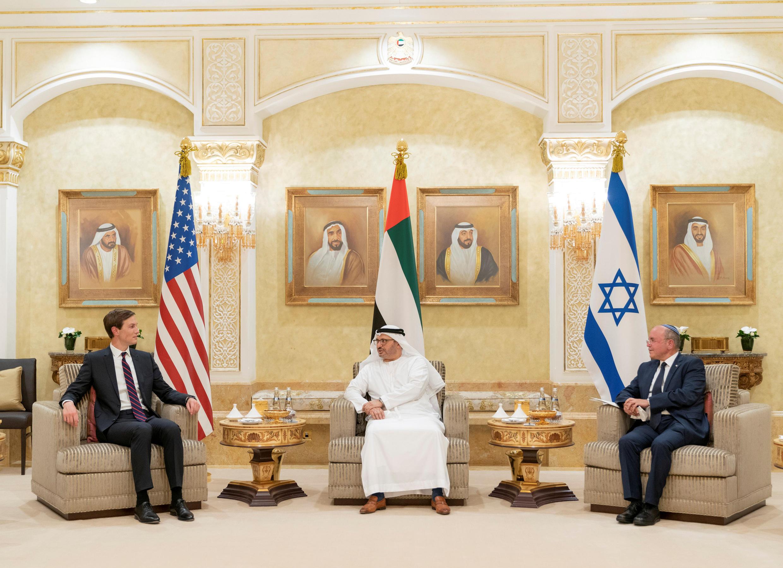 لقاء في الإمارات لمستشار الأمن القومي الإسرائيلي ومستشار الرئيس الأمريكي مع وزير دولة الإمارات للشؤون الخارجية في أبو ظبي (31 أغسطس 2020)
