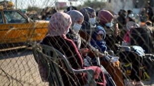 2021-02-16T160453Z_1444483147_RC2STL9HABFY_RTRMADP_3_PALESTINIANS-GAZA-HAMAS-WOMEN