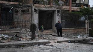 مخلفات القصف في مدينة حلب السورية يوم الأحد 14/04/2019