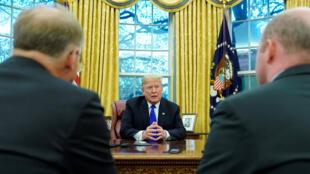الرئيس الأمريكي  دونالد ترامب في البيت الأبيض في واشنطن