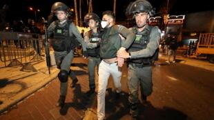 2021-04-22T202713Z_1802728379_RC281N9QU3UQ_RTRMADP_3_ISRAEL-PALESTINIANS-JERUSALEM-VIOLENCE