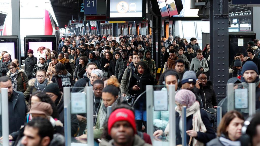 صورة من محطة القطار في باريس -