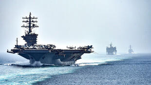 قطع بحرية عسكرية أمريكية في مضيق هرمز