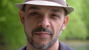 الكاتب عماد فؤاد