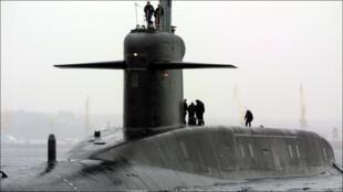 غواصة نووية فرنسية في ميناء بريست