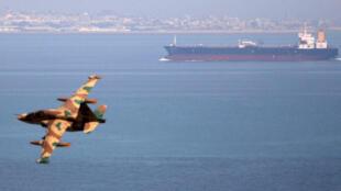 ناقلة نفط في مياه الخليج -