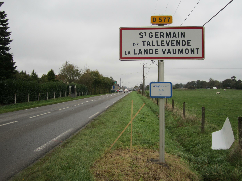 Saint-Germain-de-Tallevende-la-Lande-Vaumont_-_Panneau_d'entrée_d'agglomération