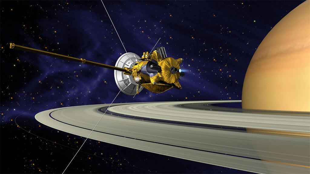 """المسبار الأمريكي """"كاسيني"""" يحلق قرب كوكب زحل"""