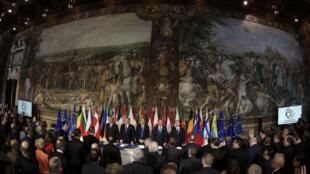 قادة دول الاتحاد الأوروبي في الذكرى الستين لتأسيس الاتحاد في روما