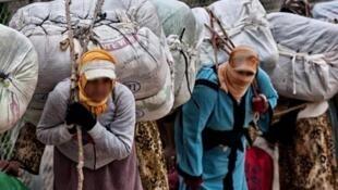 حمالات البضائع المغربيات-