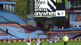 racisme sport angleterre -stade