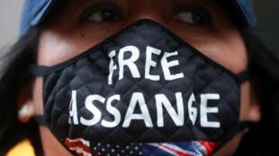 من مظاهرة مطالبة بإطلاق سراح جوليان أسانج في لندن