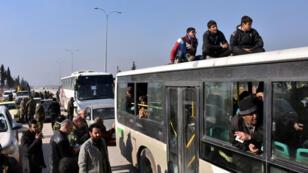 اجلاء للمدنيين من بلدتي  الفوعة وكفريا في محافظة ادلب-سوريا