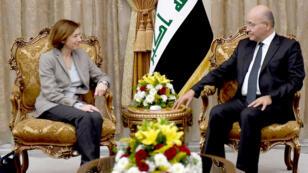 وزيرة الجيوش الفرنسية فلورانس بارلي مع الرئيس العراقي برهم صالح في بغداد يوم 8 فبراير 2019