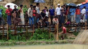 مخيم لاجئي الروهينغا تكاد تغمره المياه