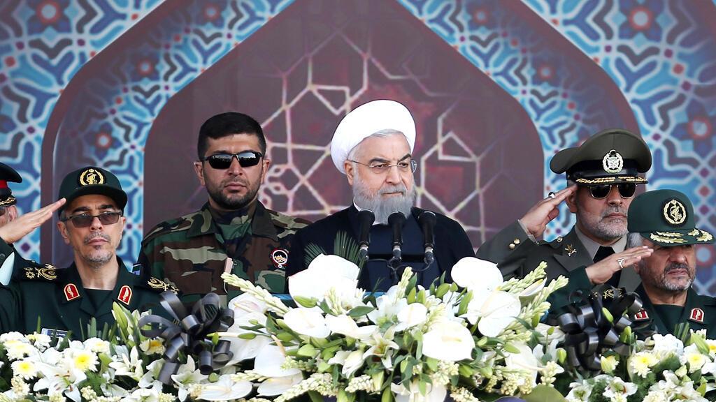 حسن روحاني خلال الاستعراض العسكري الذي دار في طهران يوم 22 سبتمبر 2017