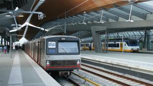 مترو الأنفاق في العاصمة الهولندية أمستردام