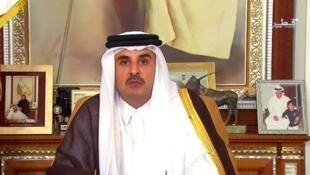 أمير قطر الشيخ تميم بن حمد آل ثاني خلال خطابه الذي ألقاه يوم 21 يوليو/تموز 2017.