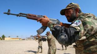 صورة لقوات من الحشد الشعبي في العراق خلال تدريب عسكري