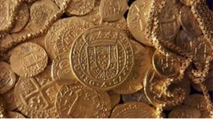 صورة عملات ذهبية وكنوز عثر عليها قبالة شواطئ فلوريدا 30-07-2015