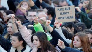 مظاهرة للتحذير من التغير المناخي في باريس