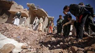 موقع في صنعاء تعرض لقصف قوات التحالف بقيادة السعودية 29-11-2015