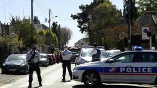 موقع الحادث في منطقة رامبوييه قري باريس